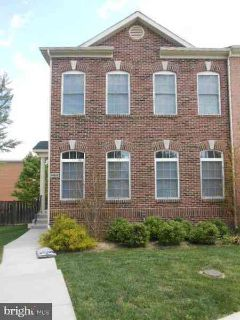 3469 25th CT S ARLINGTON Three BR, Spacious end TH w/brick front.