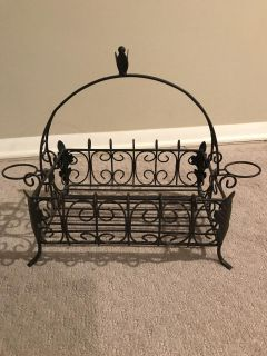 Table top Wrought iron basket