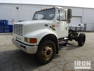 2001 International 4900 S/A Day Cab Truck Tractor
