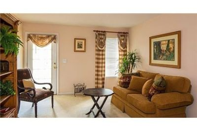 1 bedroom Apartment - Nestled amid 26 acres of beautiful landscaping. Parking Available!