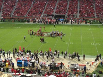 San Francisco 49 ers vs Los Angeles Chargers