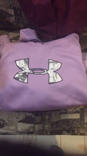 Under Armour Women s semi-fitted hooded sweatshirt