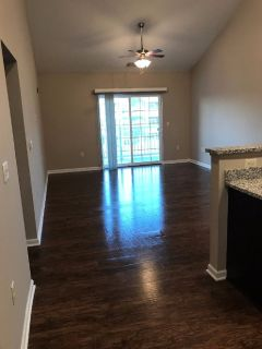 Upscale Apartment, 1 Bed 1 Bath, Sublet March 1 to December 1