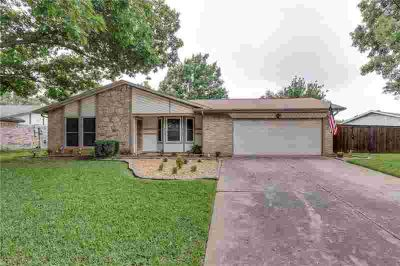 2921 Highgate Lane BEDFORD Three BR, Great home with open floor