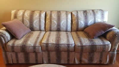 Sofa/loveseat/coffee table/end table