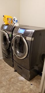 Samsung Washer and Wryer with Pedestals