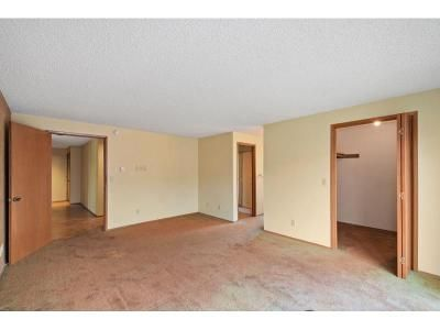 2 Bed 2 Bath Foreclosure Property in Everett, WA 98201 - 36th St Apt 3