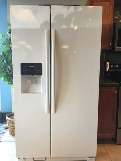 Amana 25 cf Side by Side Refrigerator - NEW