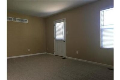 3 bedrooms \ $1,540/mo - come and see this one.