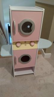 Wooden washer and dryer playset.
