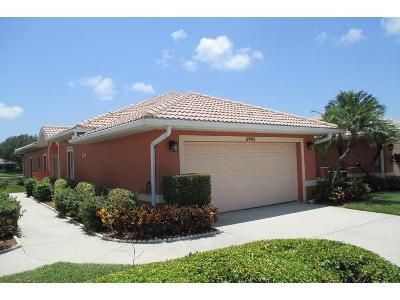 2 Bed 2 Bath Foreclosure Property in Naples, FL 34109 - Lone Oak Blvd