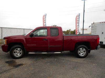 2007 Chevrolet Silverado 1500 Work Truck (Victory Red)