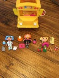 Lalaloopsy Mini Bea s School Bus and Doll Sets Bus holds several Mini Dolls Includes 3 Mini Doll...