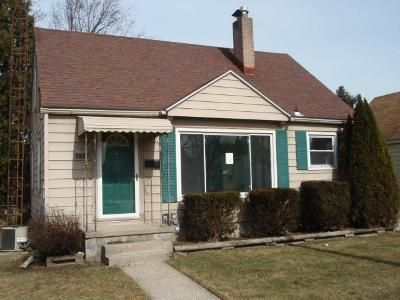3 Bed 1 Bath Foreclosure Property in Toledo, OH 43611 - 106th St