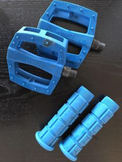Bike pedals and grips