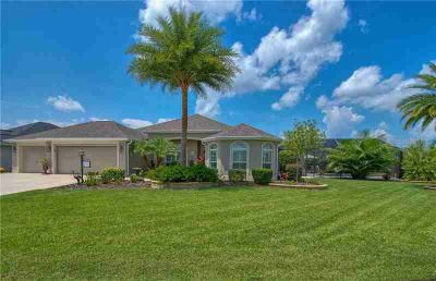 3334 Hollyoak Way THE VILLAGES Three BR, Expanded & Customized