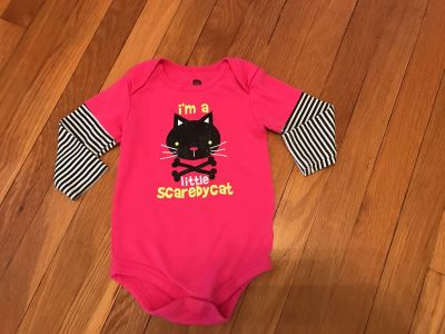 Scaredy Cat 18 mos LS onsie. EUC Cat is SPARKLY