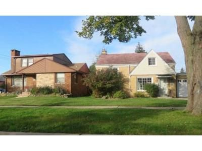 1 Bath Preforeclosure Property in Riverside, IL 60546 - S 9th Ave