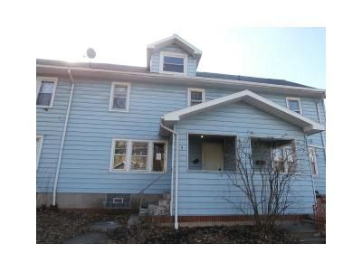 2 Bed 1 Bath Foreclosure Property in Rochester, NY 14609 - Edgeland St
