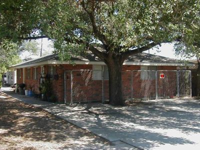 - $175000 $3000mo. income for 6 units -- $175,000 near TAMUK (Kingsville)
