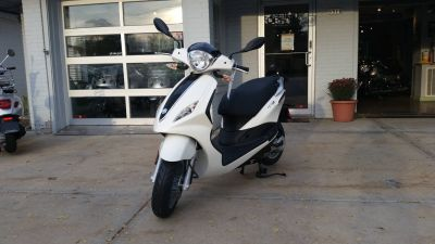 2016 Piaggio Fly 50 250 - 500cc Scooters Middleton, WI