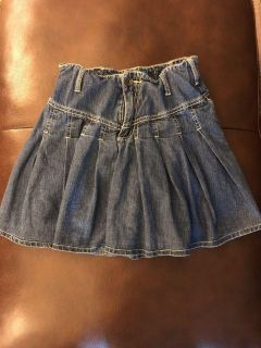 Euc- size 12 Jean skirt w adjustable waist and built in shorts