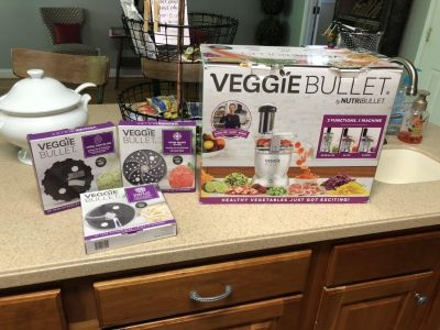 Veggie Bullet with extra Attachments