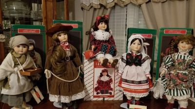 Christmas around the world dolls