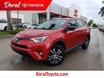 2016 Toyota RAV4 LE (red)