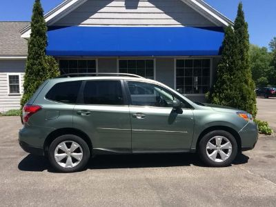 2015 Subaru Forester 2.5i Premium (Light Green)