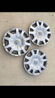 3 wheel covers 2012 Nissan Quest