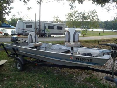 $750, 1989 1652 Flat bottom with trailer. No motor.