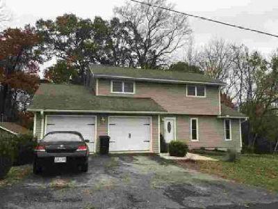 1816 Longview Lane Dandridge Three BR, Spacious 2-Story Home on