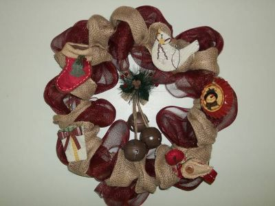 DECO MESH WREATH SIMPLY COUNTRY CHRISTMAS