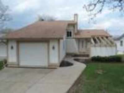 Commerce Lake Home for sale in Michigan