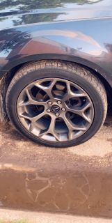 2017 Chrysler 300 rims and tires