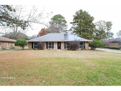 4 Bed 2.5 Bath Foreclosure Property in Baton Rouge, LA 70814 - Sunny Cline Dr
