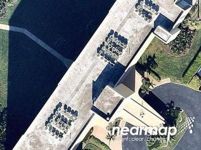 2 Bed 2 Bath Preforeclosure Property in Naples, FL 34108 - Bluebill Ave