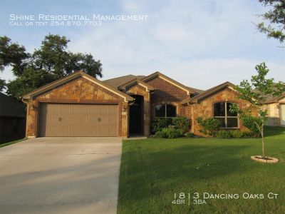 Single-family home Rental - 1813 Dancing Oaks Ct