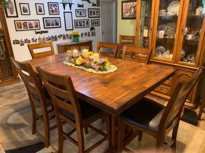 Dining Room Table &Vhairs