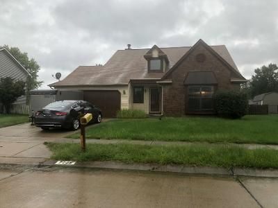 3 Bed 1.5 Bath Preforeclosure Property in Indianapolis, IN 46268 - Camberwood Dr