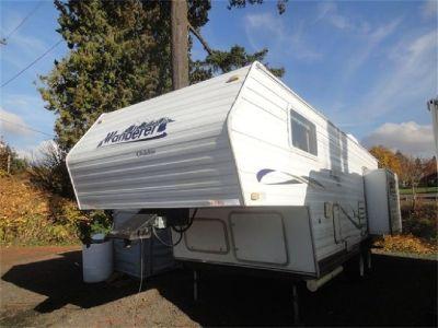 2003 Wanderer Glidelite 215RL Rear Lounge 5th Wheel Weighs 3600lbs