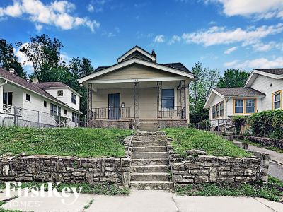 $795 3 apartment in Independence