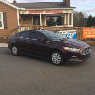 2013 Ford Fusion S (Maroon)
