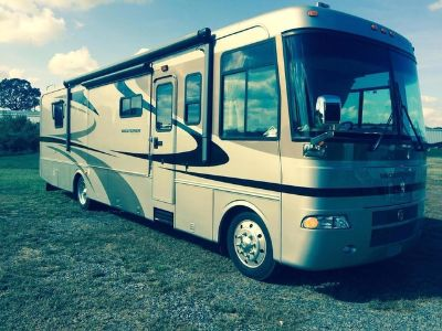 2004 Holiday Rambler® Vacationer 37PST Workhorse