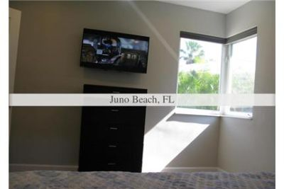 3 bedrooms House - Steps from the beach. Washer/Dryer Hookups!