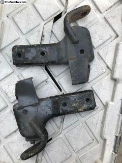 Vanagon bumper brackets for a fiberglass bumper