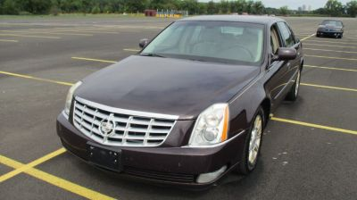 2008 Cadillac DTS Base (burgundy)