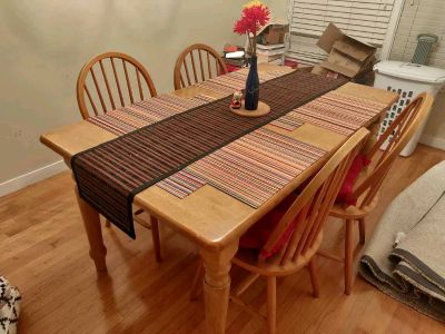 Beautiful and sturdy adjustable 4 seater dining set