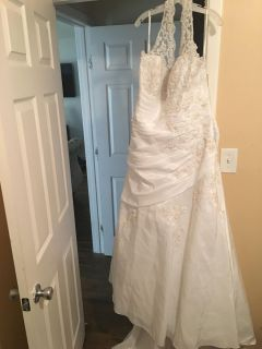 Plus size DB Wedding Gown (Tags still attached Sz 26)